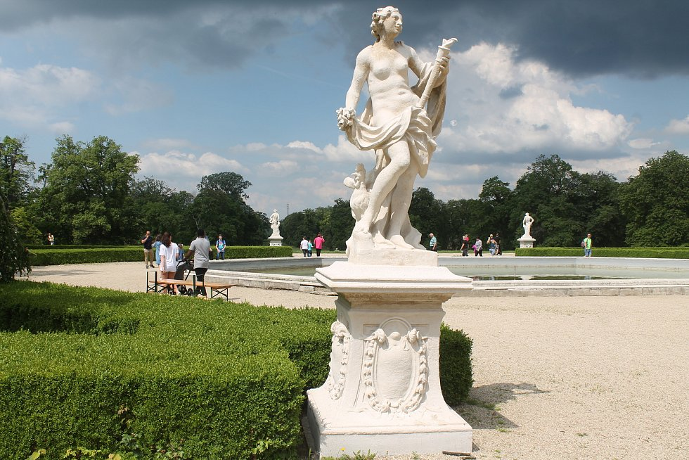 Jako z Viscontiho filmu Gepard, popisuje Karel Mayer zámecký park