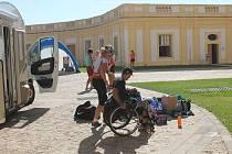 Účastníci nejdelšího cyklistického maratonu ve střední Evropě se zastavili ve Slavkově u Brna.