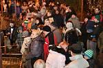 V Rousínovské místní části Slavíkovice zpívalo přes dvě stě lidí.