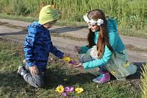 Hry s úkoly a zábavné stezy těší děti v každé době.