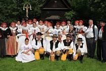 Folklorní soubor Trnka letos oslaví čtyřicet let od založení. Životní jubileum čeká i jeho zakladatelku, která brzy oslaví pětaosmdesátku.