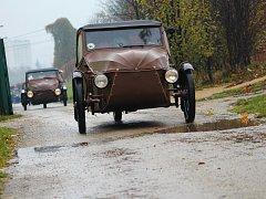 Příznivce Velorexů potěšil v sobotu dopoledne sraz legendárních strojů ve vyškovském zooparku.