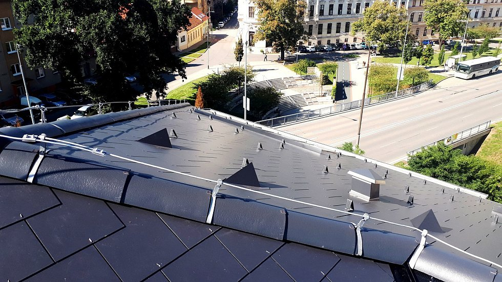 Opravy na střeše stály přes pět miliónů korun.