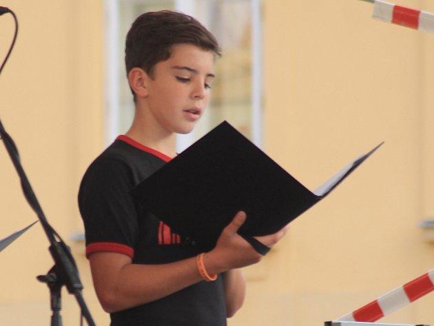 Letošní ZpívejFest završil páteční koncert na Masarykově náměstí ve Vyškově.