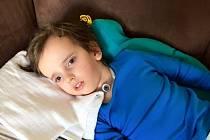 Honzík Vacek z Brna si po pádu do bazénu těžce poranil mozek. Zůstal ve stavu vigilního kómatu. Pomoci se mu snaží i dva muži z Vyškovska.