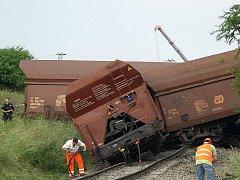 U Křižanovic u Vyškova vykolejil nákladní vlak.