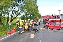 U Holubic se srazila dvě auta. Pro zraněnou přistával vrtulník.