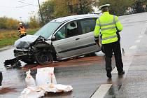 Kolize dvou osobních aut u Křižanovic u Vyškova si vyžádala tři zraněné.