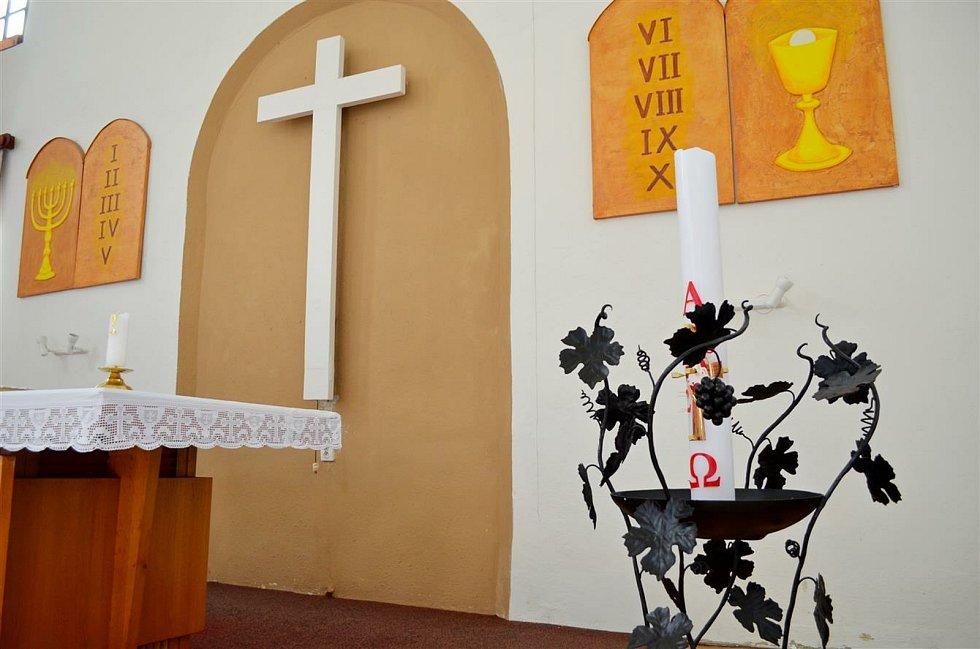 Interiér bývalý synagogy na Masarykově náměstí.
