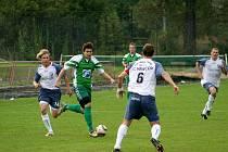 Fotbalisté Framozu (v zeleném) proti hráčům Vracova.