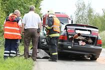 Dvě auta se čelně strazila kousek za Manerovem ve směru na Bohdalice. Jeden člověk nehodu nepřežil.