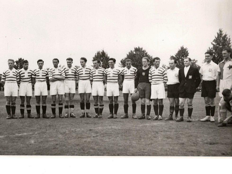 HSK Vyškov v zápase se Slavií Praha v roce 1943.