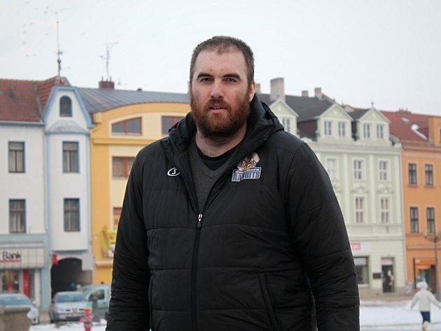 Aktuálně nejvyšší Čech Ivo Höger žije ve vyškovské místní části Rychtářov.
