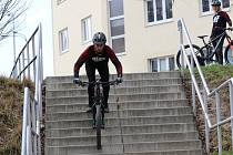 Nebezpečné kousky na kolech