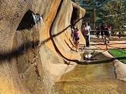Pavilon Austrálie s trojicí klokanů a čtyřmi stovkami andulek je nově přístupný návštěvníkům vyškovského zooparku.