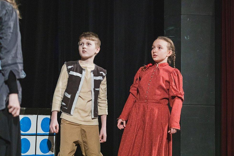 Tři pohádky v podání nejmladších herců D.A.V.A v únoru minulého roku. Od té doby jich řada povyrostla.