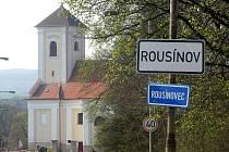 Kostel svatého Václava v Rousínovci. Ilustrační fotografie.