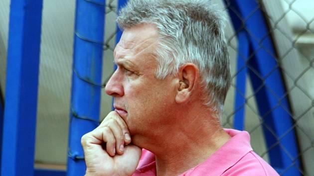 Trenér fotbalistů Framozu Rousínov Petr Krahulec.