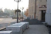 Neopravená část Masarykova náměstí ve Vyškově