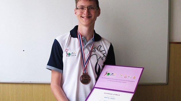 Student vyškovského gymnázia Martin Orság uspěl v astronomické soutěži v Thajsku. Skončil třetí.