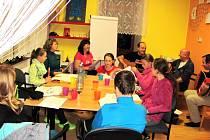 Mateřské centrum Krasínek se připravuje na akci Vyškovského deníku Rovnost Česko zpívá koledy.