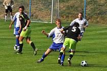 S většími ambicemi vstoupili do I.B třídy fotbalisté Bohdalic, konečná podzimní bilance ale vyznívá lépe pro Dražovice. Snímek je z jejich vzájemného utkání. Na jaře bude tento zápas moc důležitý.