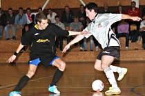 Ve vyškovském městském derby futsalové divize se Lazor-Domus a Pivovar rozešly smírně po remíze 6:6.