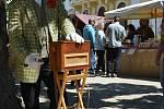 Farmářské a řemeslné trhy zaplnily v sobotu 30. května park zámku ve Slavkově u Brna.