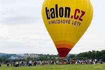 Příprava balónu ke vzletu je časově náročná.
