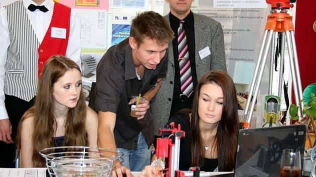 V prostorách Střední odborné školy a Středního odborného učiliště Vyškov, Sochorova, se konal už po šestnácté Veletrh vzdělávání a pracovních příležitostí.