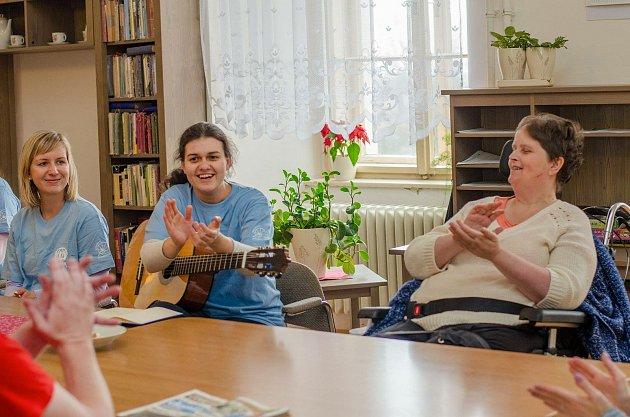 Dobrovolníci ADRA působí vdomovech na Vyškovsku.