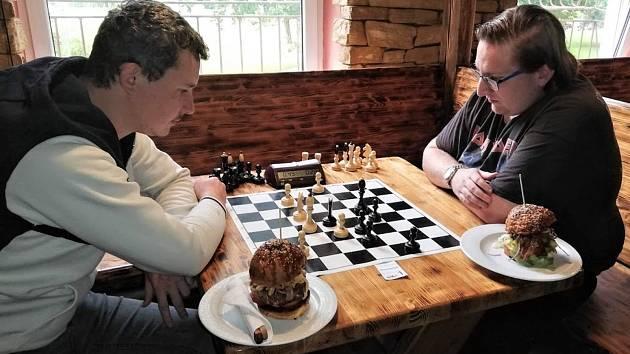 Šachové Nečasovky byly opět okresním přeborem v bleskové hře. Zvítězil Jaroslav Hejný.