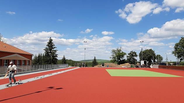 Nové venkovní hřiště u Základní školy 711 využijí kromě žáků i ostatní obyvatelé Bučovic.