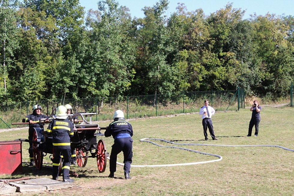 V Drysicích slavili výročí tamních dobrovolných hasičů. Ukázky předvedli i hasiči z Vyškova.