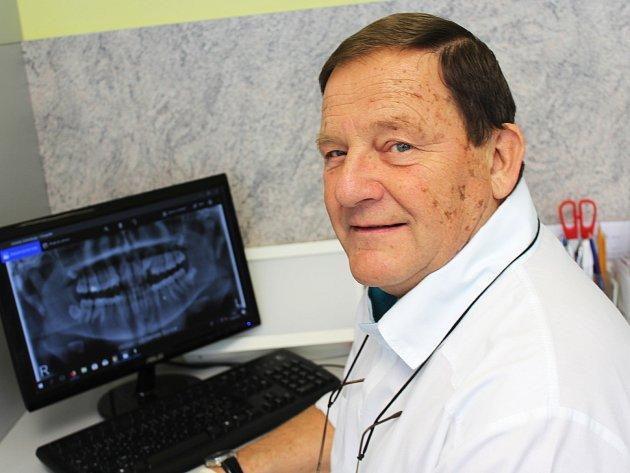 Vyškovský zubař Jiří Wolf byl přibližně dva roky ředitelem nemocnice.