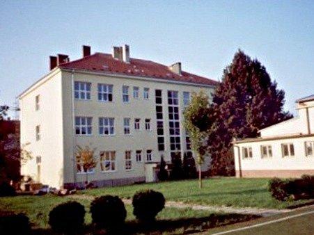 Základní škola Tyršova ve Slavkově u Brna.