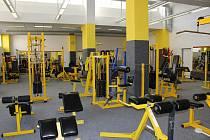 Od pondělí mohou otevřít i posilovny a fitness centra. Lidé v nich však musí nosit roušky. Nevyužijí ani sprchy.