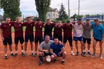 Společná fotka je za zápasu Bučovice A - Hasiči Vyškov. Momentky z utkání Holubice B - Dědice.
