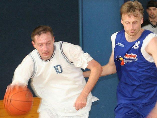 Senioři Vyškova a dalších třech basketbalových klubů ukázali, že basketbalové umění rozhodně nezapomněli.