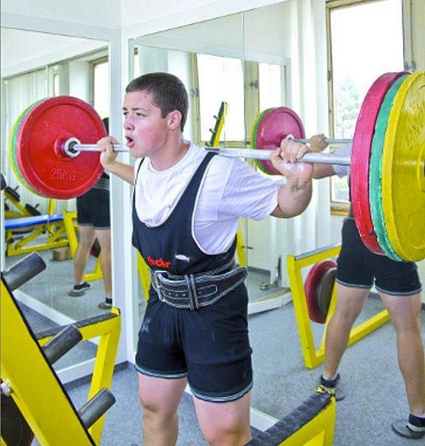 Ivanovická sportovní hvězdička Radek Vrána chce vyšplhat až na bájný Olymp silového trojboje, tedy být nejlepší na světě. Šanci a formu na to má už letos.
