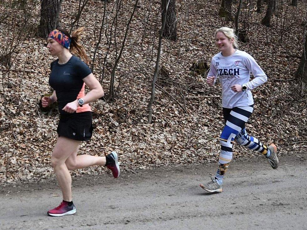 Dvacátým závodem skončil Zimní koronavirový pohár běžců AK Drnovice. Vyhráli jej Marie Hynštová a Martin Skřivánek.
