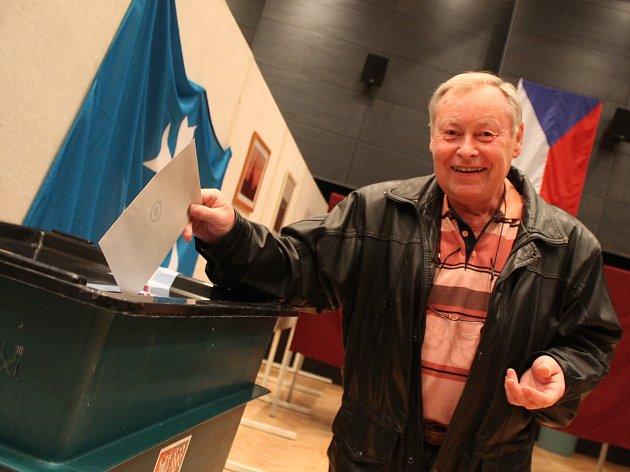 V druhém kole senátních voleb dali Ivanovičtí víc hlasů lidovecké kandidátce Šárce Jelínkové. Ta se také dostala do horní komory parlamentu za celý obvod 76 Kroměříž, do něhož Ivanovice na Hané spadají.
