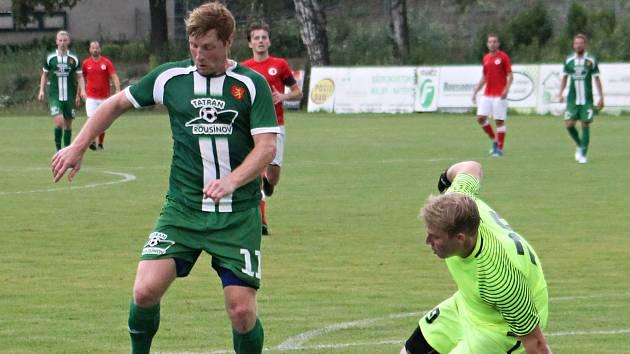 V úvodním kole nového ročníku krajského přeboru prohráli fotbalisté Tatranu Rousínov (zelené dresy) s Boskovicemi 1:3.