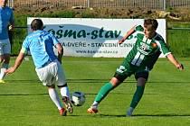 V utkání krajského přeboru fotbalistů porazil Tatran Rousínov (zelené dresy) FC Boskovice 4:1.