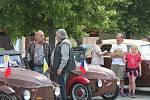 Na srazu veteránů ve vyškovských Dědicích se sešli milovníci historických aut.