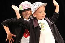 Taneční skupina N-Yoj! oslavila desetileté výročí přehlídkou v Sokolském domě ve Vyškově.