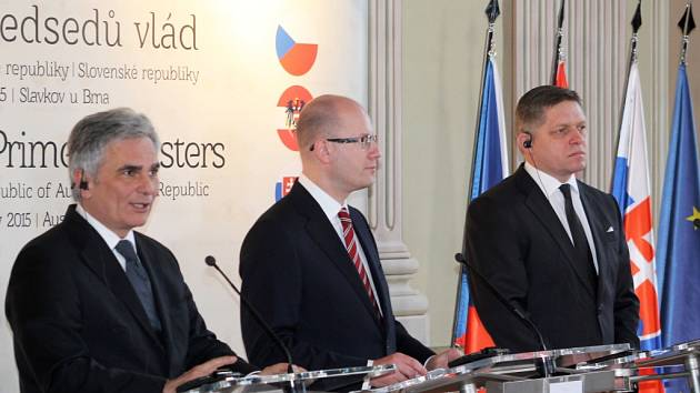 Setkání tří premiérů na slavkovském zámku má položit základ, k dalším podobným regionálním jednáním v nadcházejících letech.