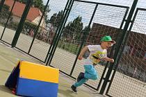Na konci května to byl Májový běh, v sobotu bude orelské hřiště ve Vyškově hostit charitativní atletický závod Andělský trojboj.