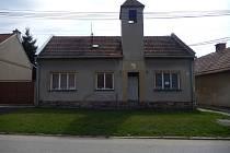 V Marefách opravují zvonici. Rozšířili i knihovnu a upraví společenskou místnost.