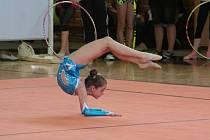 Jubilejní desátý závod jednotlivkyň v moderní gymnastice.